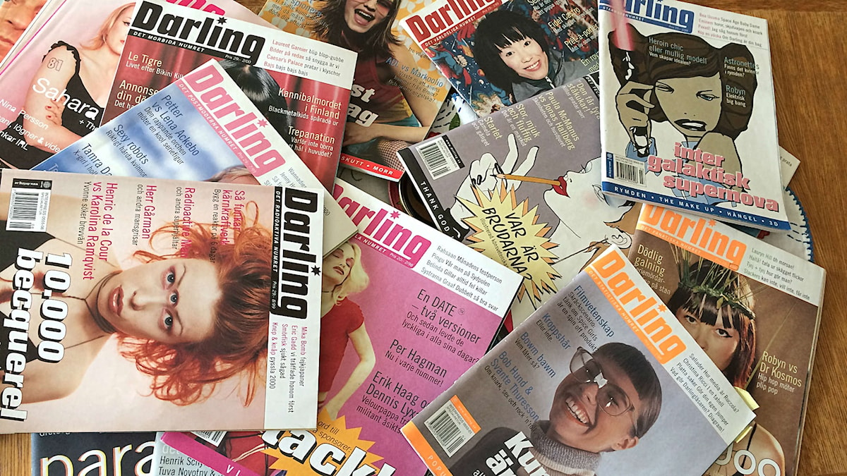 Tidningen Darling började på nätet 1996 och papperstidningen kom 1997. 2002 lades Darling ned av dåvarande ägaren Egmont.