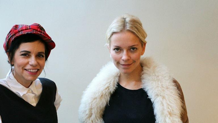 Carolina Norén och Petra Marklund (Foto: Ronnie Ritterland/Sveriges Radio)