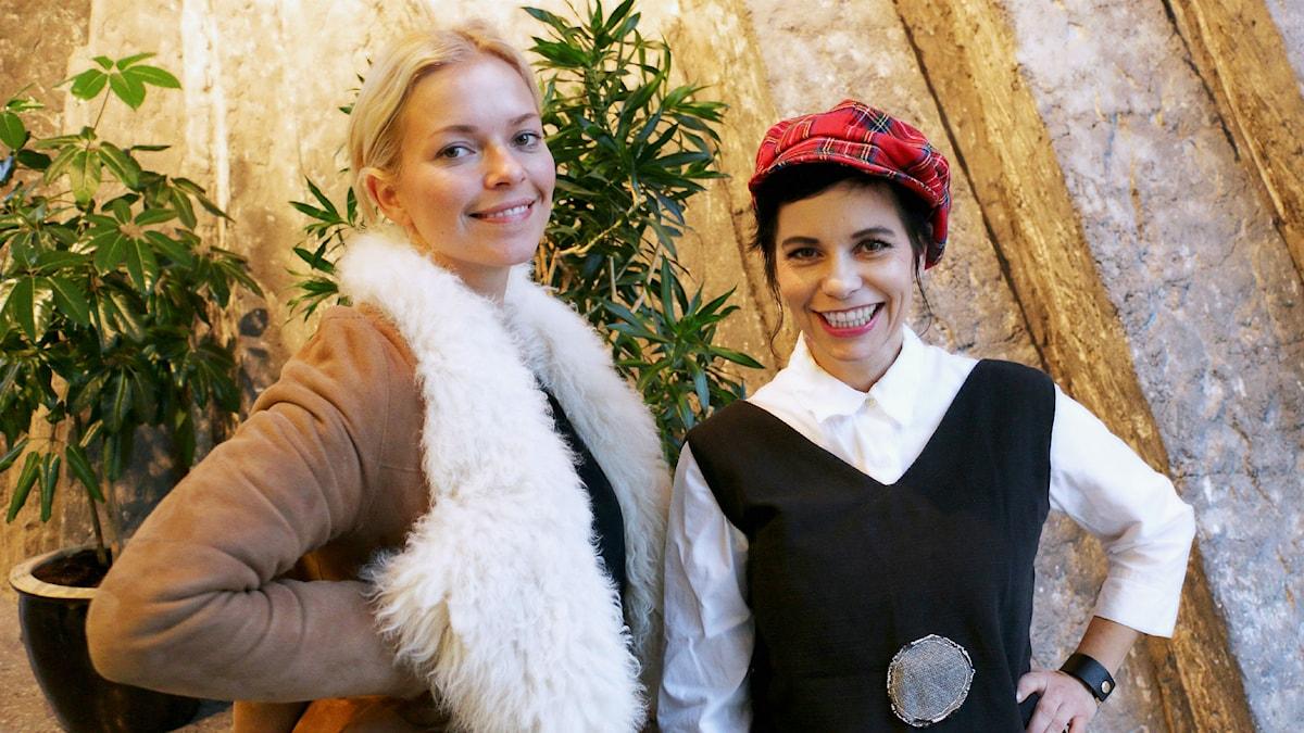 Petra Marklund och Carolina Norén (Foto: Ronnie Ritterland/Sveriges Radio)