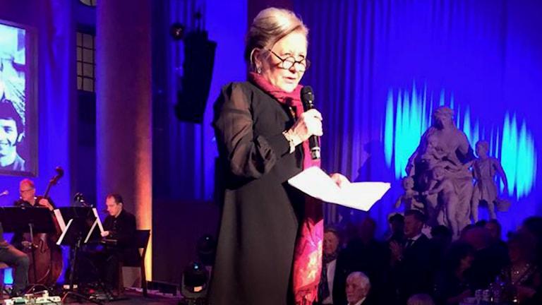 Kerstin Behrendtz läser motivering på Swedish Music Hall of Fame 2016