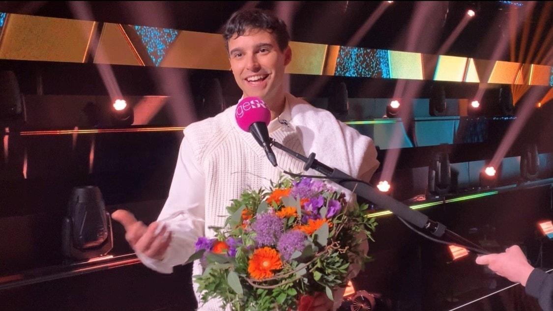 Melodifestivalen eftersnack: Finalisterna Eric Saade och The Mamas i deltävling fyra intervjuas av Carolina Norén