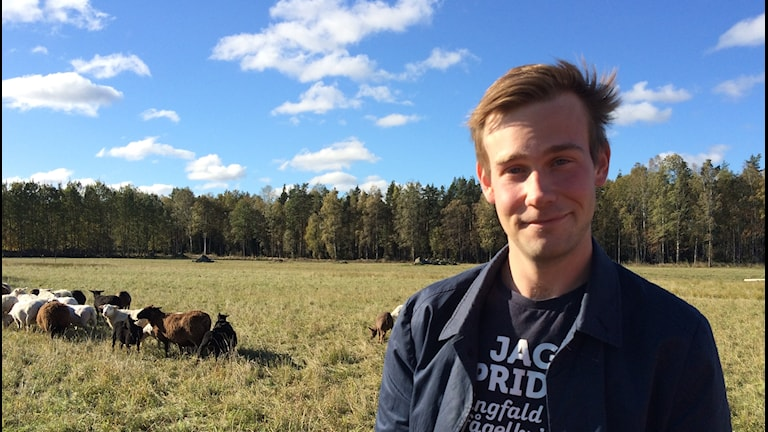 Lantbrukaren Adam Arnesson driver en gård i Mullhyttan i Örebro län.