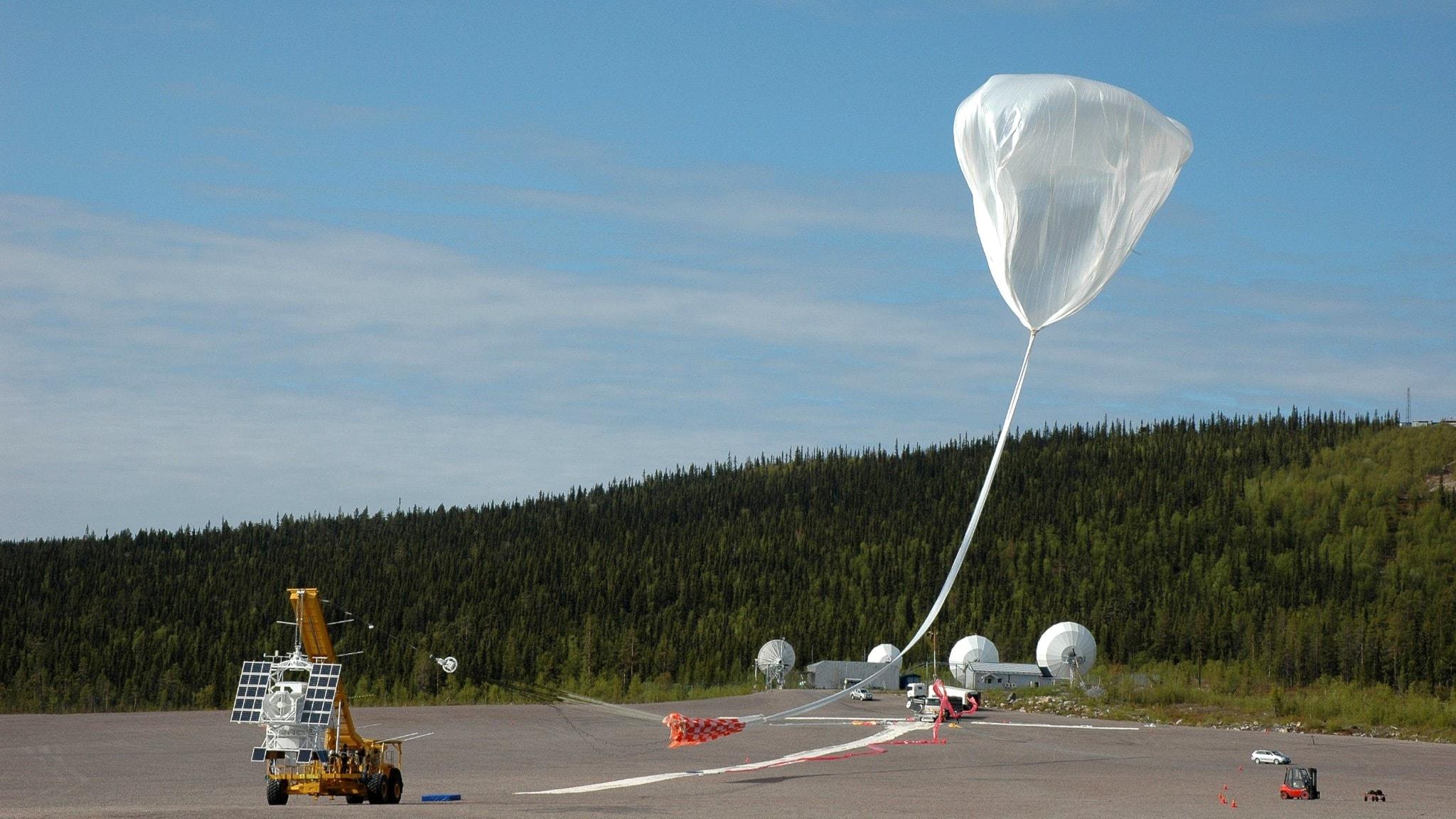Ballong skickas upp från rymdbasen Esrange i Kiruna.