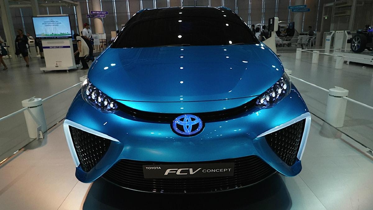 Toyoyas nya bränslecellsbil börjar säljas i bla Japan 2015. Foto: Jon Thunqvist / Sveriges Radio
