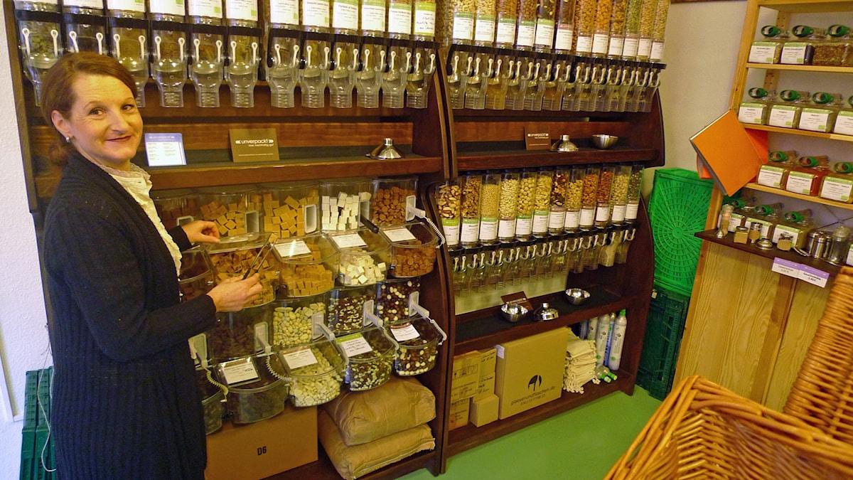 Marie Delaperrière öppnade sin sin butik Unverpackt i Kiel i februari 2014. Foto: Marcus Hansson / Sveriges Radio