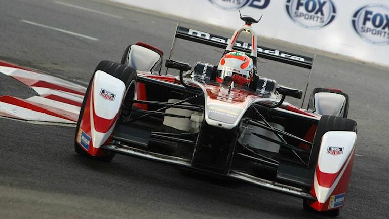 En av Formel E bilarna som tävlade i Putrajaya. Foto: FIA