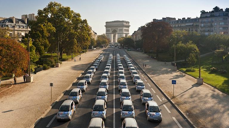 Det finns över 3000 elbilar att hyra via Autolib i Paris. Foto: Autolib