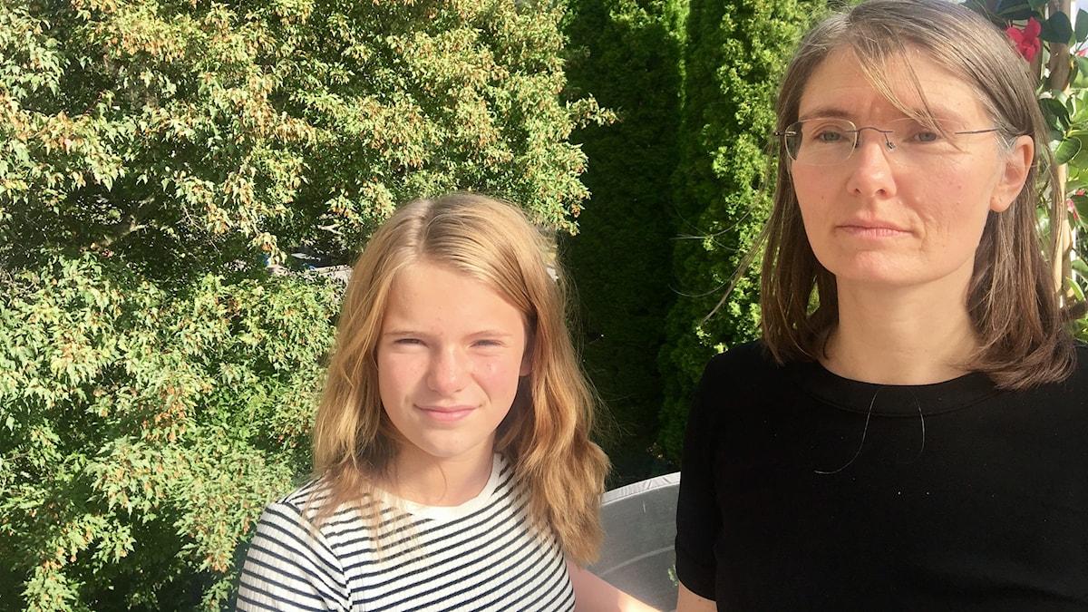 En tjej och hennes mamma har levt klimatsnålt
