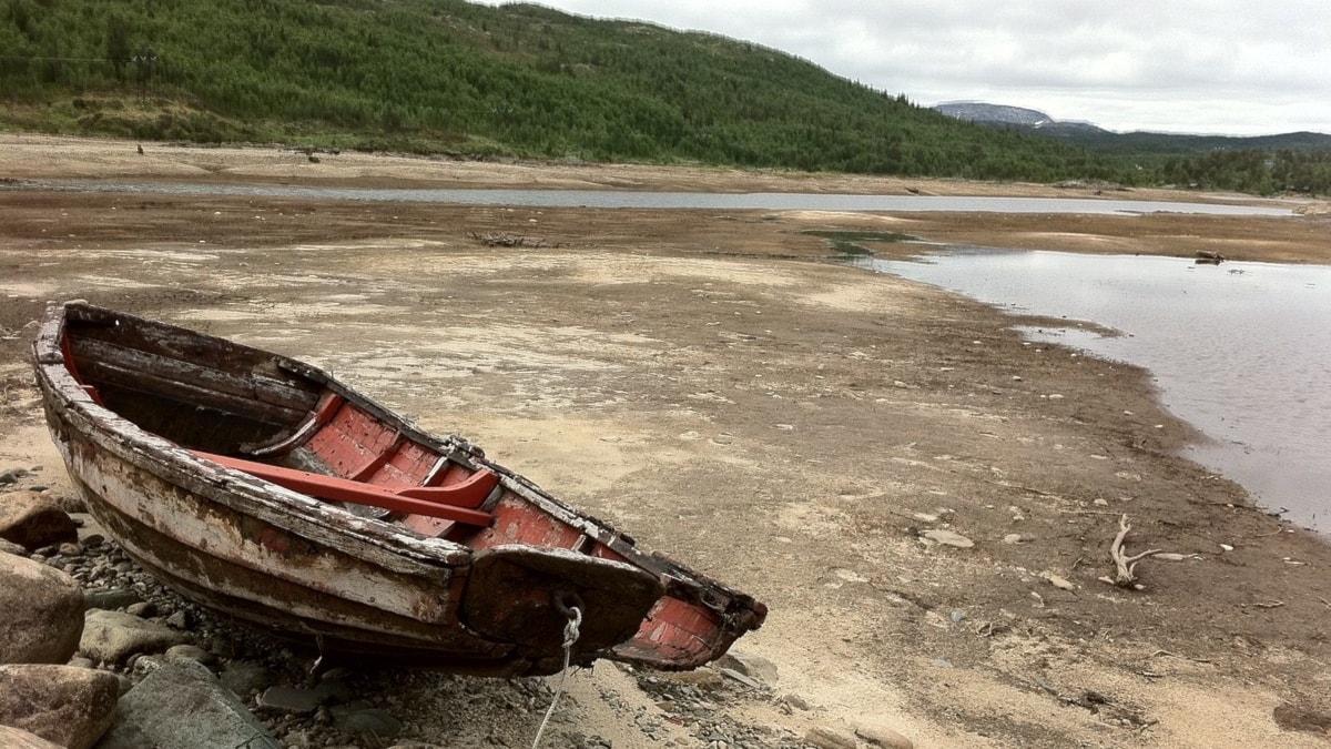 Båt som hamnat på land