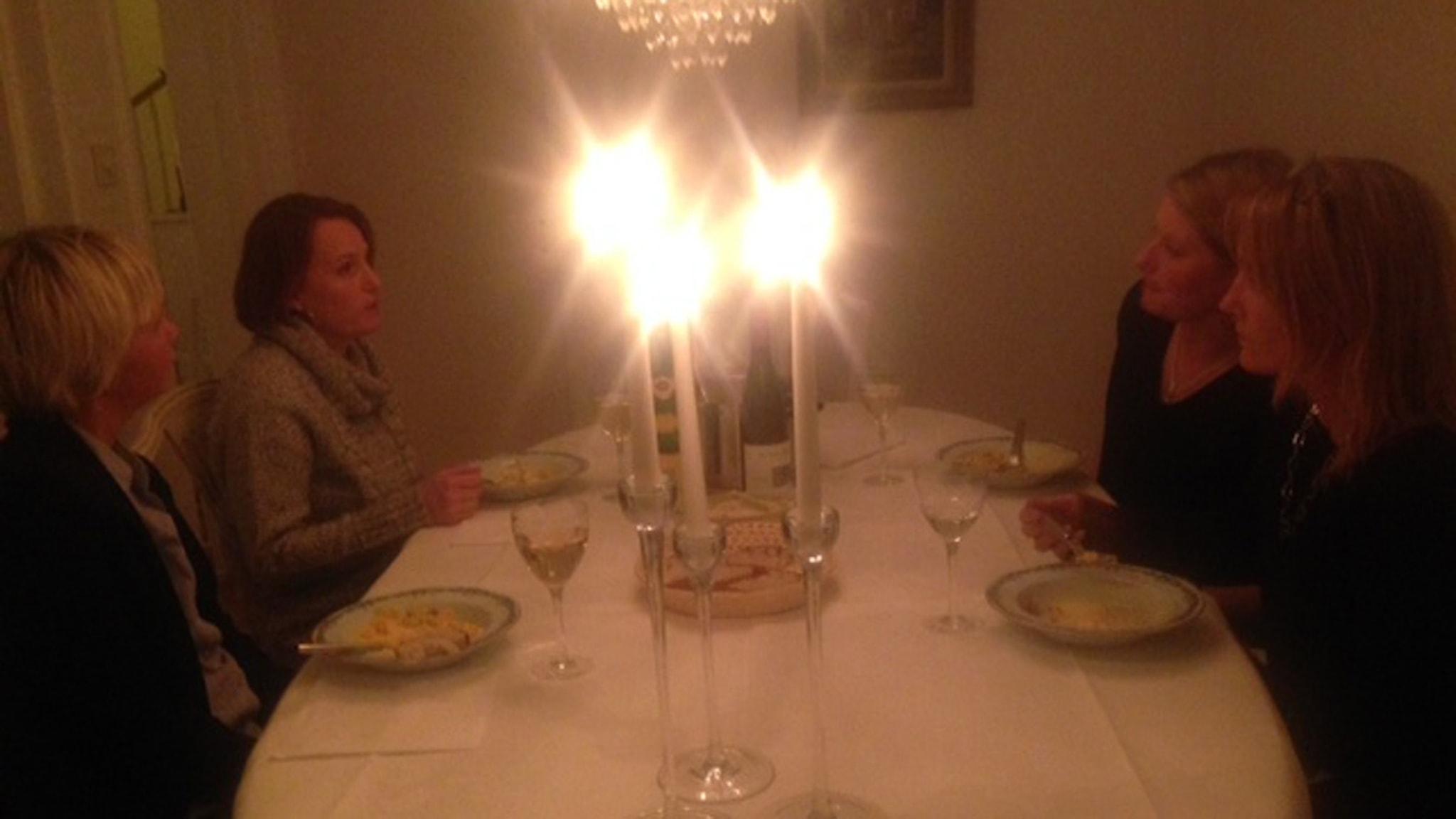 Pratar du politik när du är bjuden på middag? Foto: privat