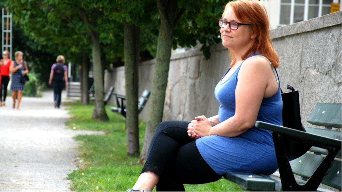 Mikaela Persson väntar på en ny njure för tredje gången i sitt liv. Den här gången har hon väntat i nio år. Foto: Emil Östlund/Sveriges Radio