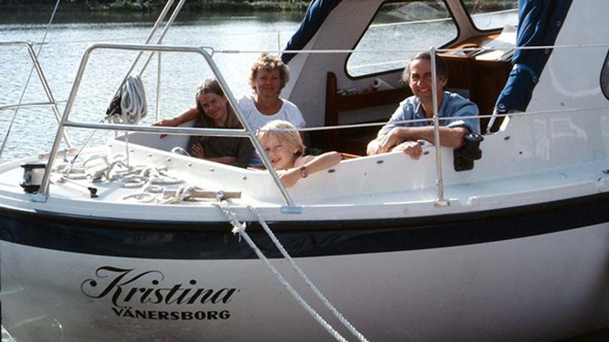 Kicki i familjens båt Kristina. Foto: privat
