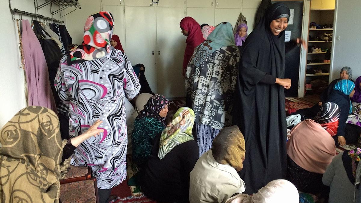 Rummet för kvinnor i Skärholmens moské, Foto Åsa Furuhagen/SR