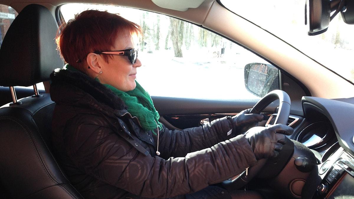 Marlena far runt i Heby kommun för att träffa föräldrar i både nya och gamla familjehem.