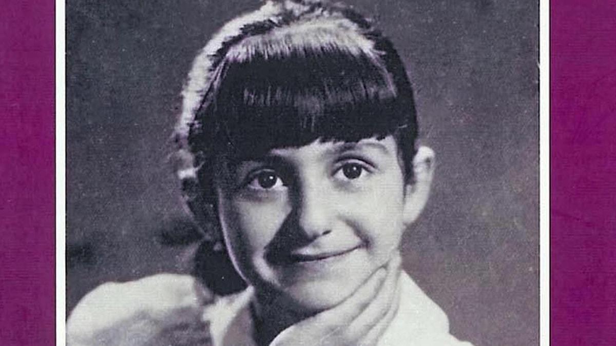 Azar Mahloujian som barn i Iran.
