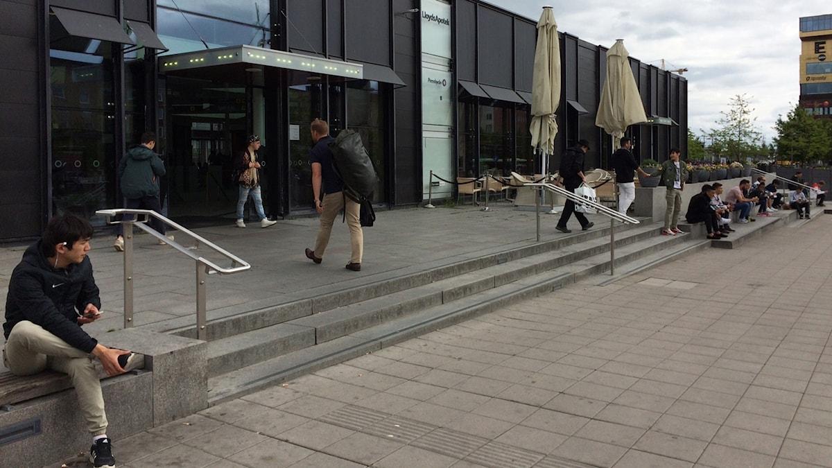 Uppsalas Resecentrum har av polisen beskrivits som knutpunkt för heroinmissbruk. Personerna på bilden har inget med progra att göra.