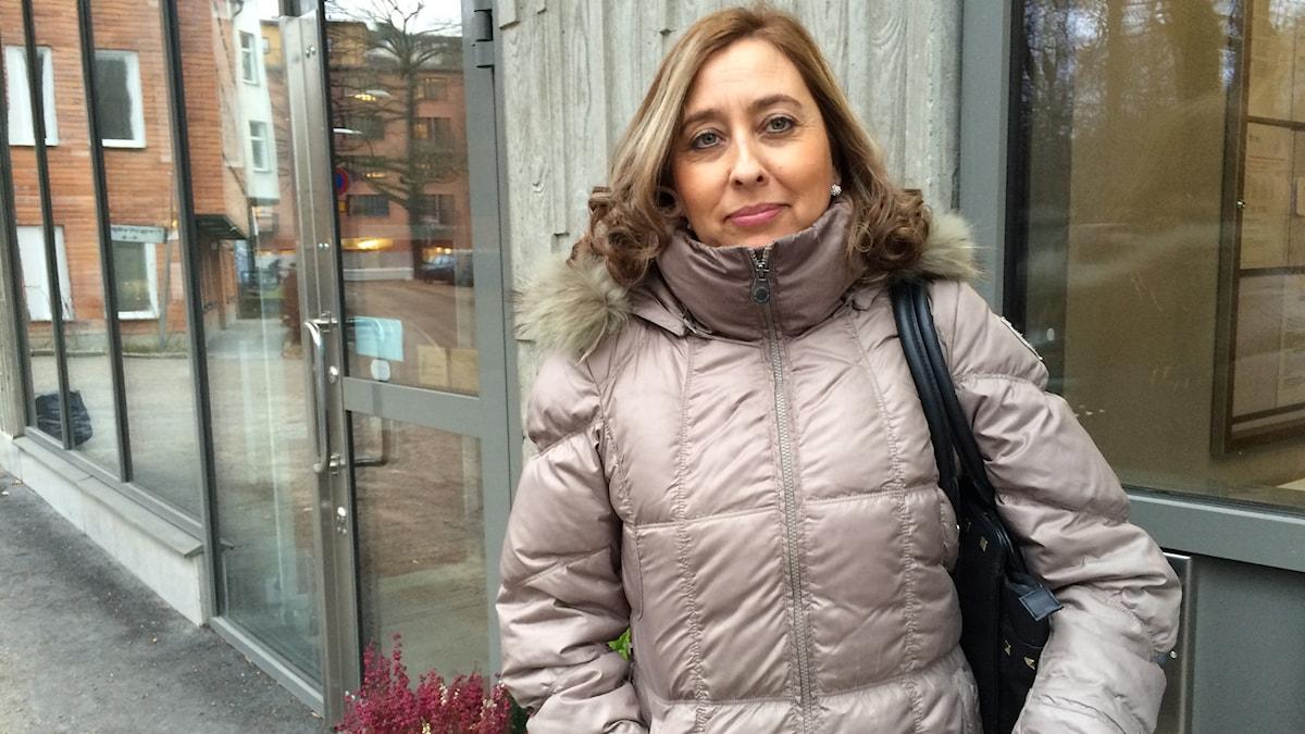 Lorena Lopez pratar svenska ungefär två minuter om dagen i sitt jobb som städare.