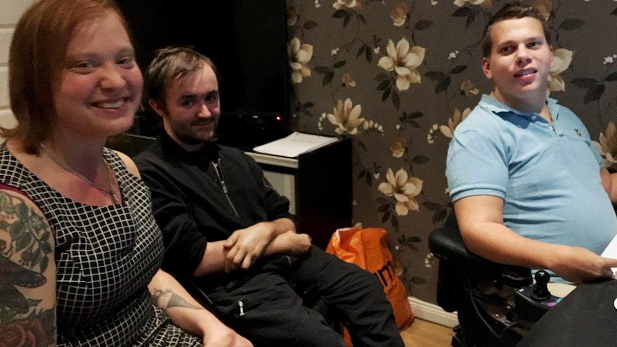 Hanna, Anton och Johan gör en podd om sex och funktionsvariationer