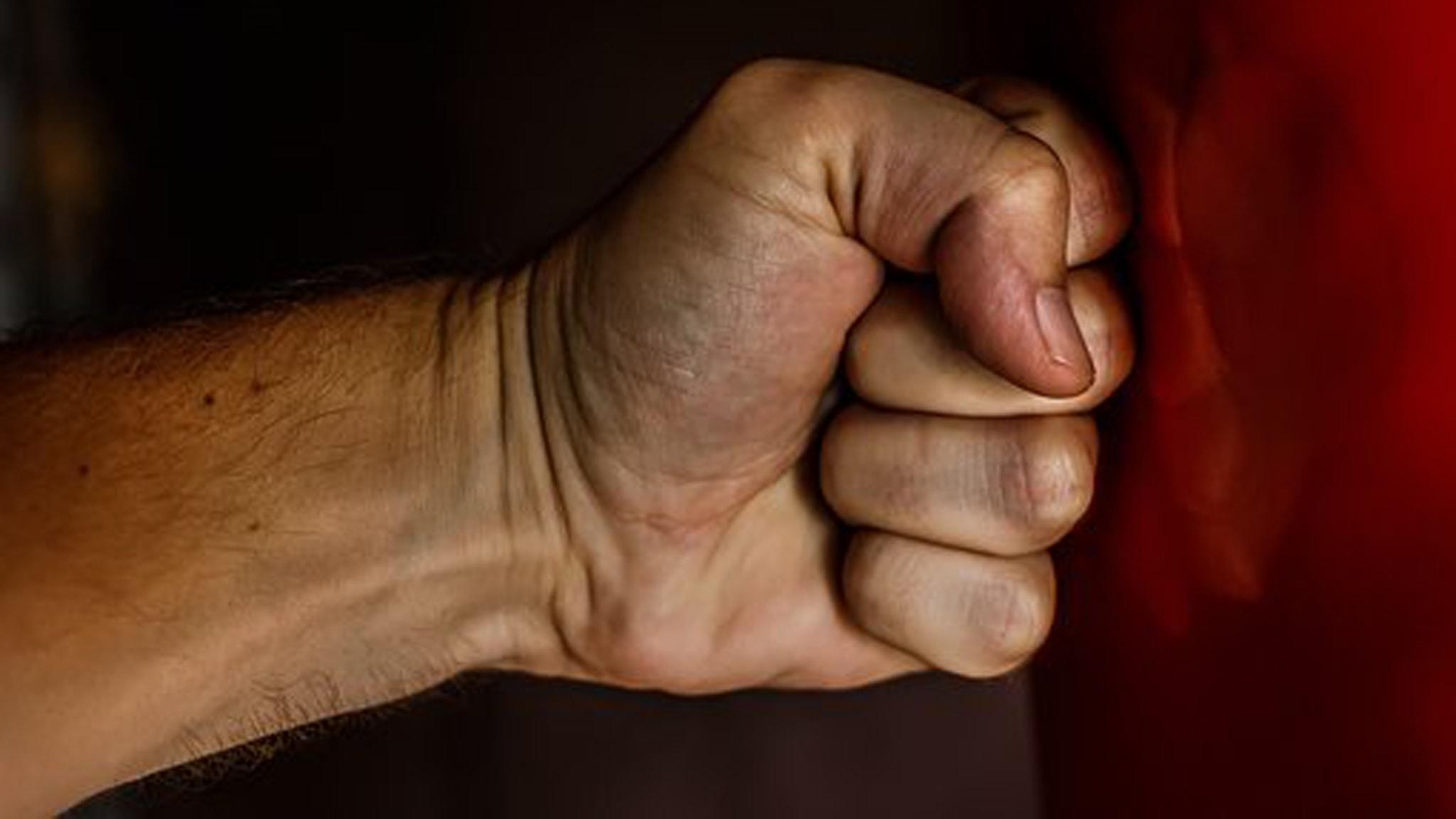 Del 2/2 Män som hotar, män som slår: Jag tog stryptag på min sambo