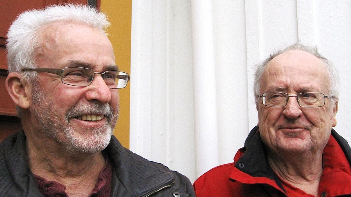 Kjell var 60 år när han fick ett samtal av sin okände bror Paul.