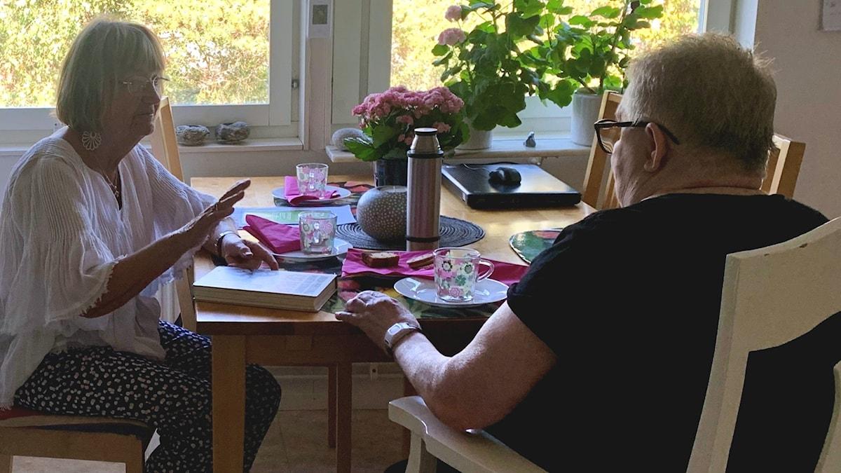 Sonja och volontären Margareta