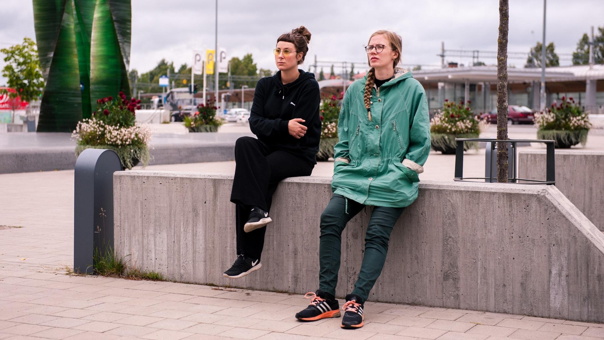 Elvira Lander och Tora Larsson