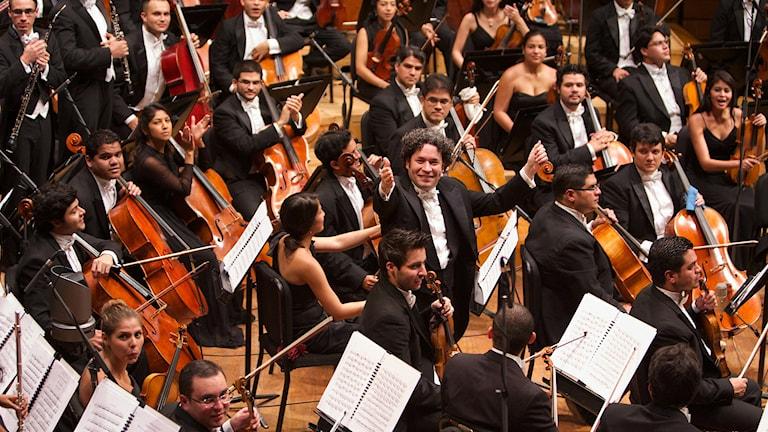 Gustavo Dudamel och Simón Bolívar-Orkestern. Foto: Gerardo Gomez.