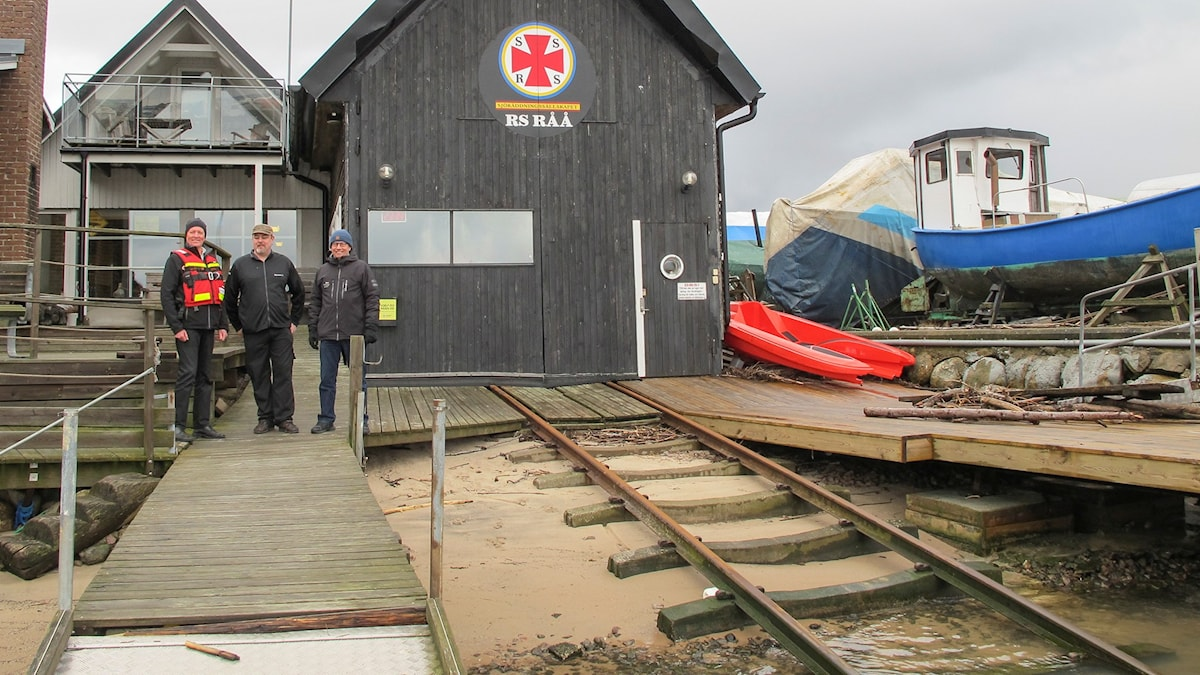 Mikael Sellergren, Ted Moodyström och Per Seglevi vid Sjöräddningssällskapets station i skånska Råå.