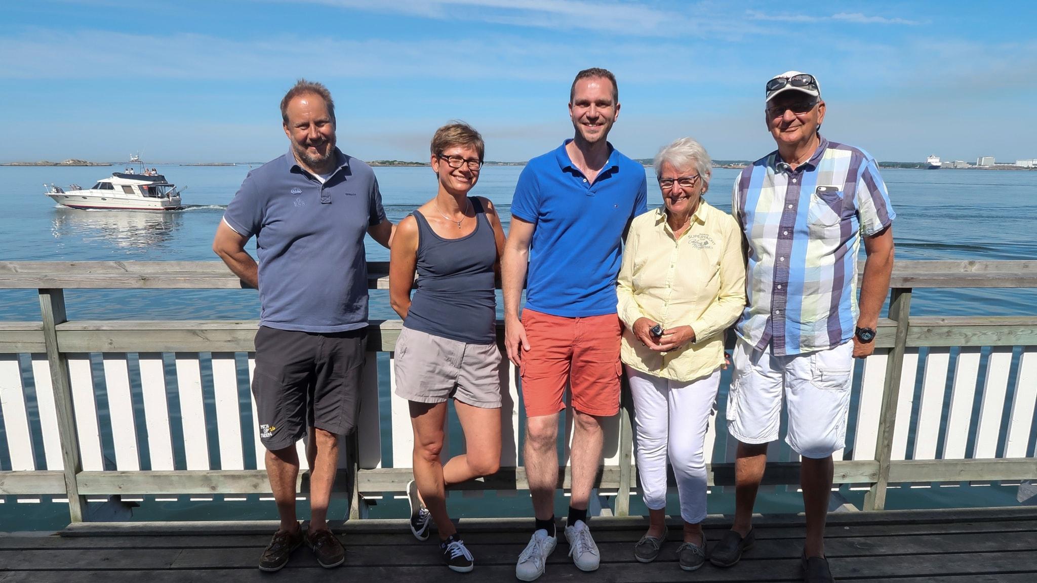 Pelle Swanbeck, kursansvarig på GKSS, Ulrika Avedal Åberg, Magnus Bergqvist, kursdeltagare, Ulla och Mats Wångdahl, långseglingsveteraner.