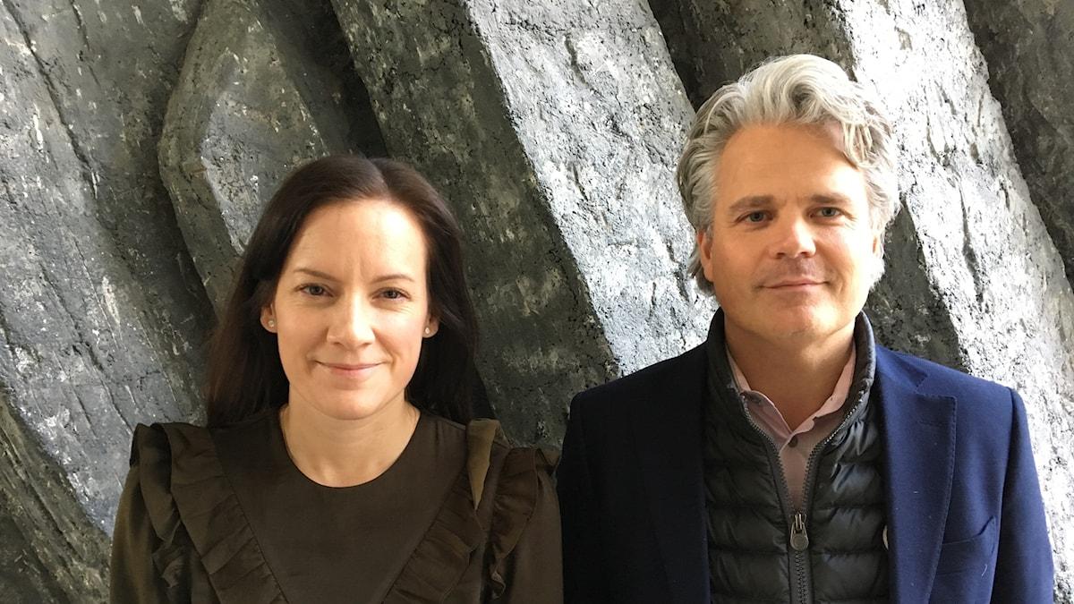 Anna Öster och Johan Javeus tror på en långsam vändning för penningpolitiken. Foto: Anders Jelmin/Sveriges Radio.