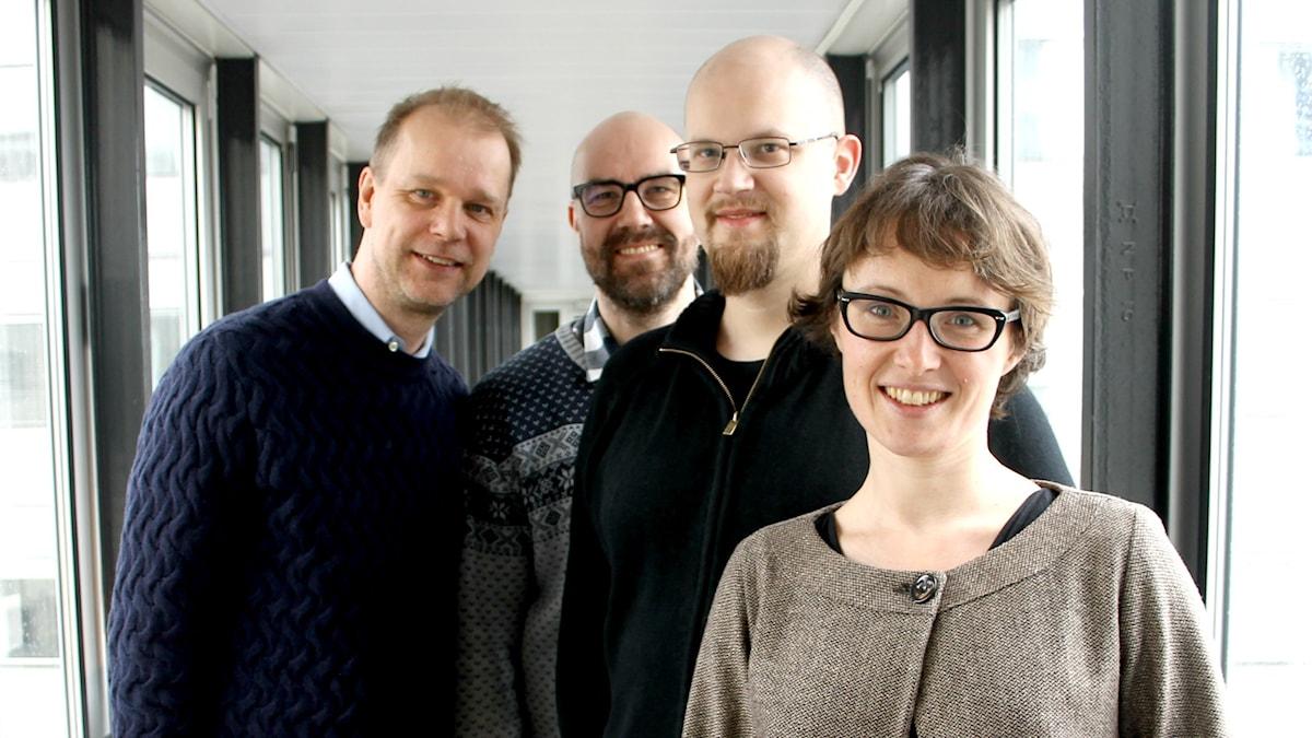 Kristian Åström, Claes Aronsson, Mikael Höök och Clarisse Kehler Siebert tittar in i kameran.