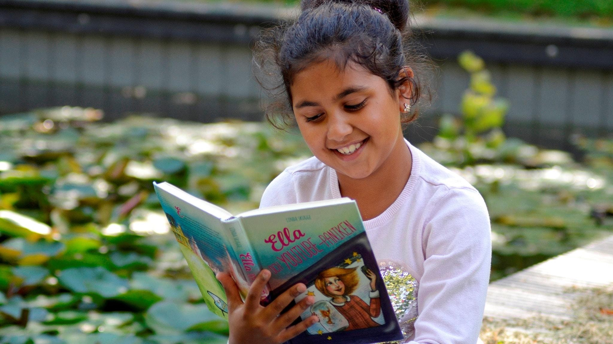 Barnradions bokpris: Jasmine Hl-Kritty läser Ella och Youtubepaniken