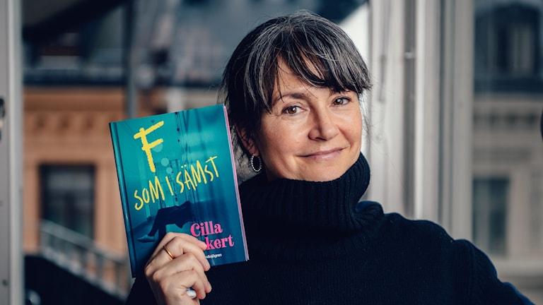 """Vinnare av Barnradions bokpris 2019 är Cilla Jackert med boken """"F som i sämst""""."""