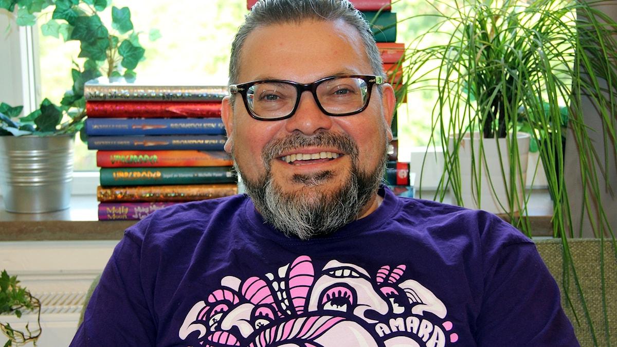 Programledare Manuel Cubas.