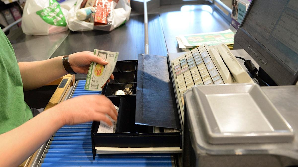 Oletko saanut kuulla myyjältä kommenttej ostoksistasi? Foto: Fredrik Sandberg / TT