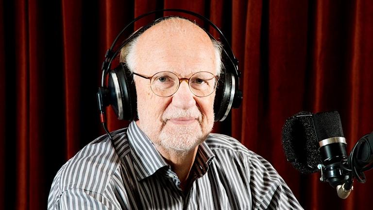 Psykologen Lasse Övling möter lyssnare i ett terapeutiskt samtal.