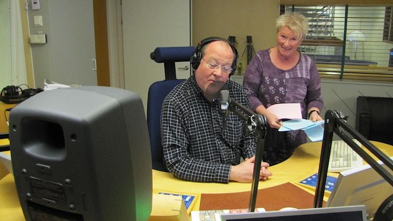 Lars T och Kerstin i Sök o Finn-studion