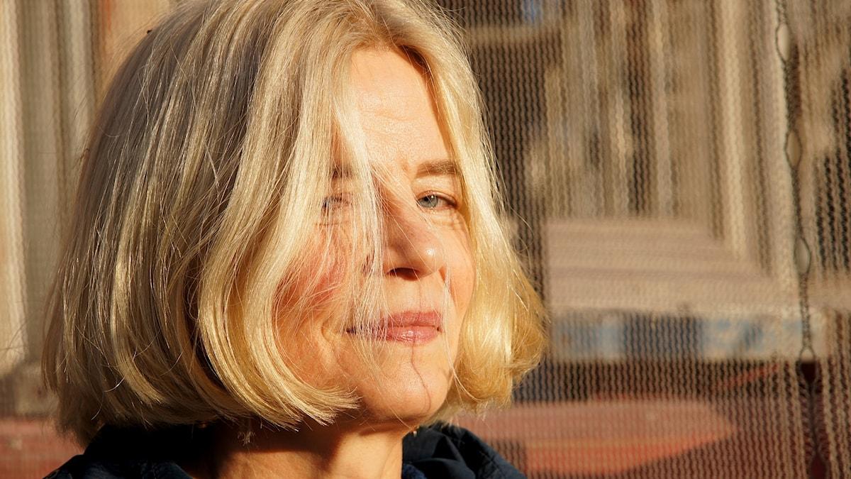 Den svenska ljudskonstnären Hanna Hartman premärspelar ett verk hon skrivit åt P2.