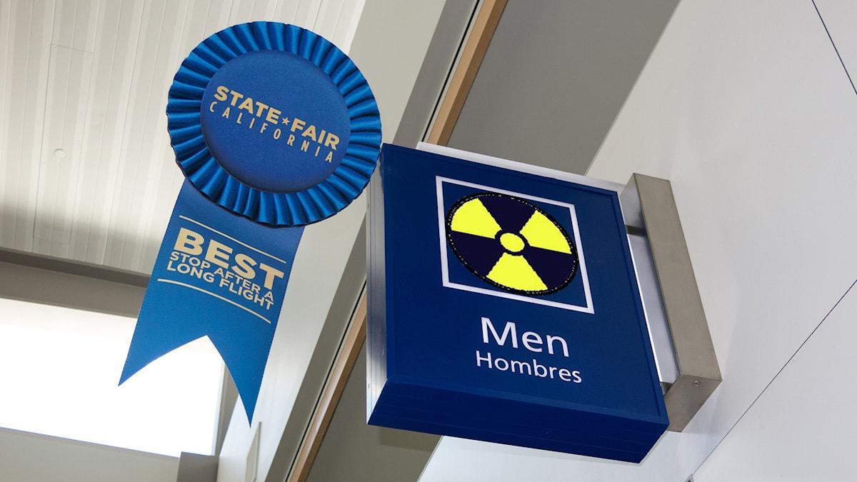 Foto: Flickr / Robert Couse-Baker / blue ribbon airport lavatory / Brad P. / lordyo_radioactive / CC BY 2.0 / Redigerad
