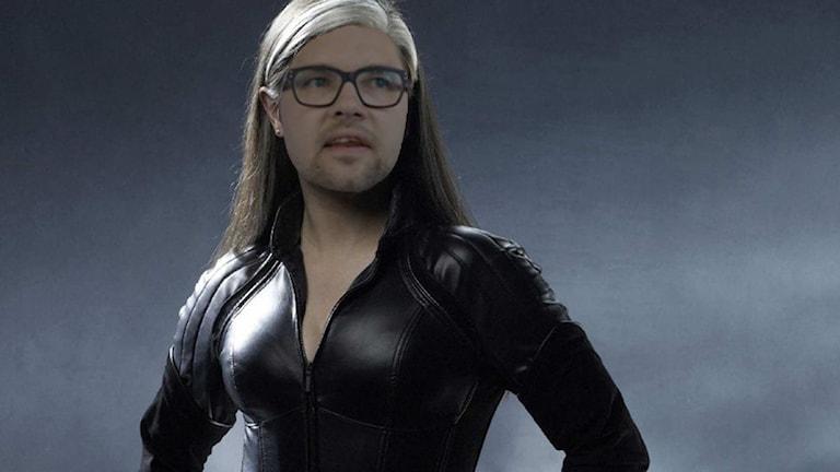 Jimmie Åkesson som X Men-karaktären Rouge.