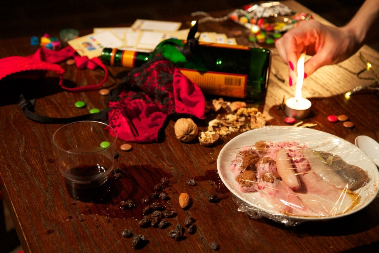Igen och igen - en vinterkall och glögghet julsaga för vuxna lyssnare