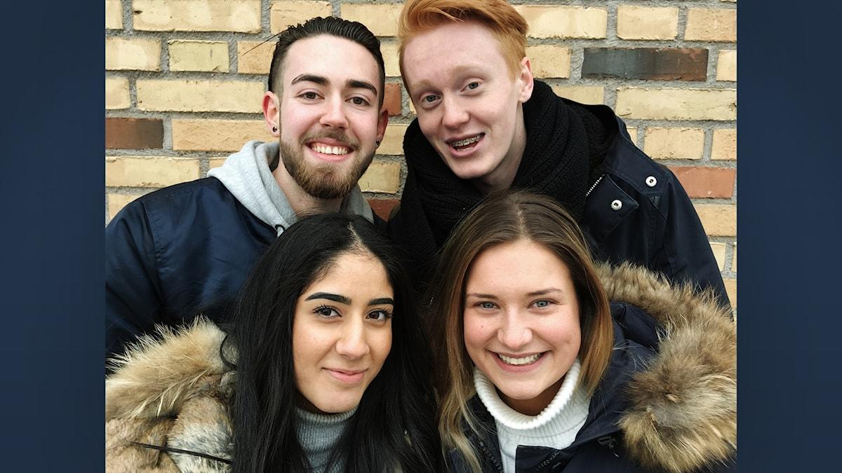 Elina, Victor, Silvia och Bozhidar går sista året på gymnasiet i Mölnlycke.