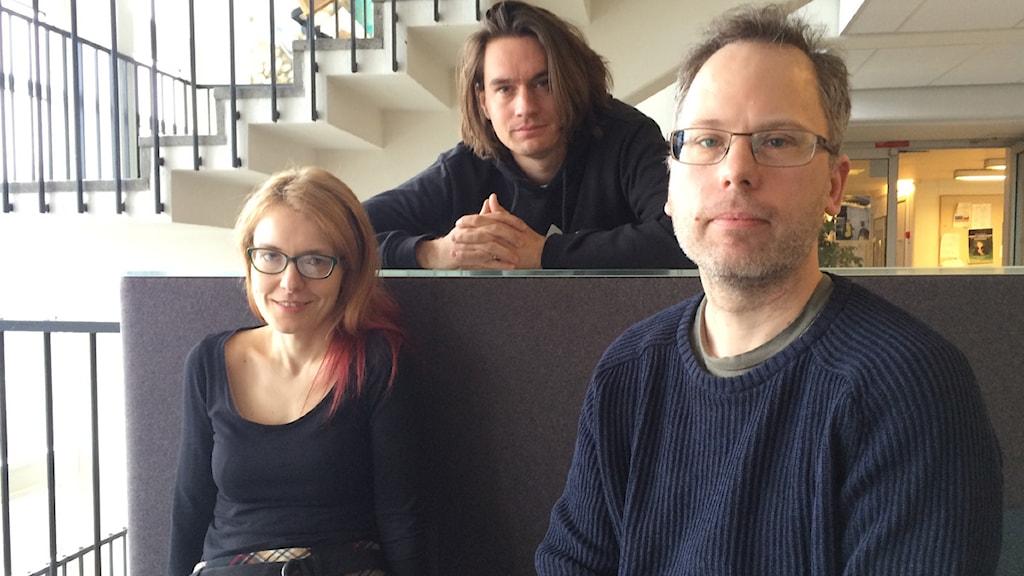 Yasmine El Rafie, Per Palmqvist och Christian Gillinger jobbar på Sveriges Radio Digitala Medier. FOTO: Cecilia Djurberg/SR