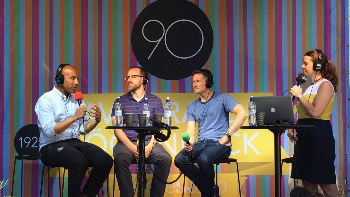 Mohamed El Abed, Roman Mars, Jesper Enbom och Elin Claeson pratar om journalistik i förändring och poddradio på SR-scenen i Almedalen. FOTO: Cecilia Djurberg/SR