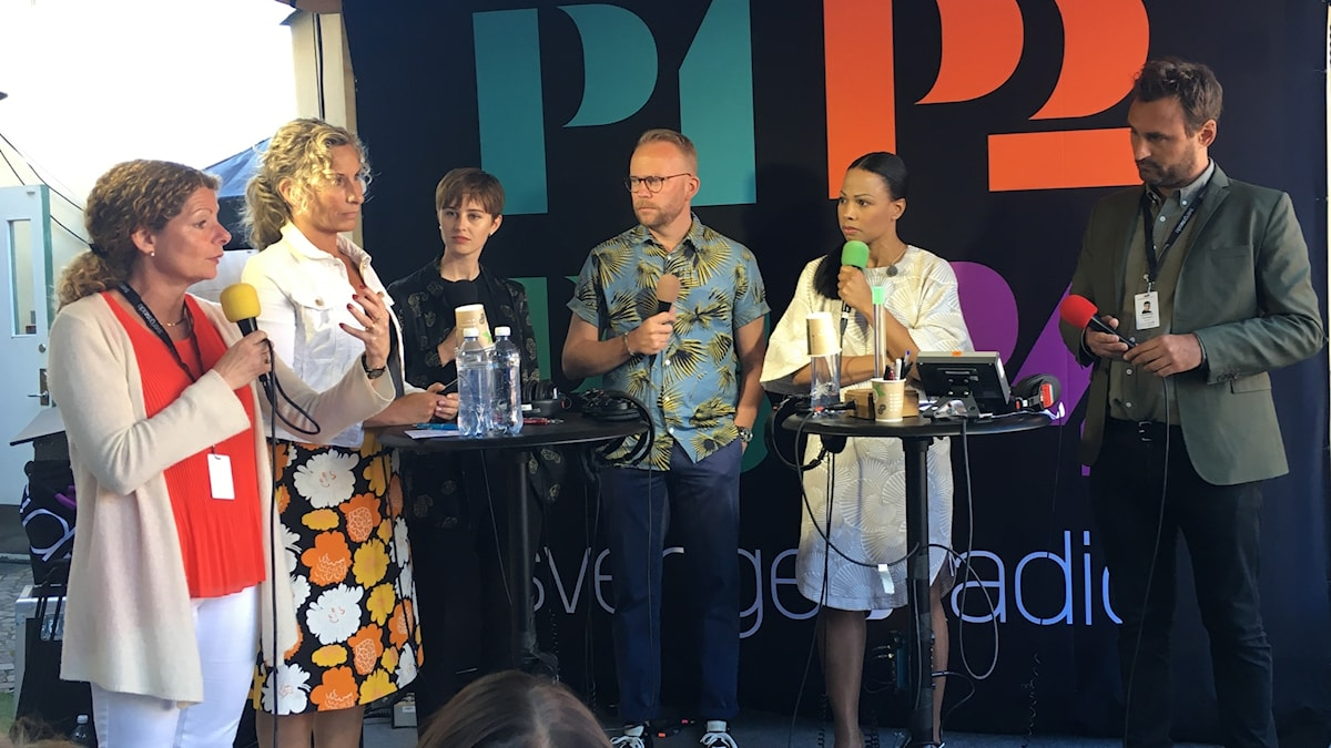 Cilla Benkö, Katarina Graffman, Amanda Redin, Olof Lavesson, Alice Bah Kuhnke och Johar Bendjelloul (programledare)