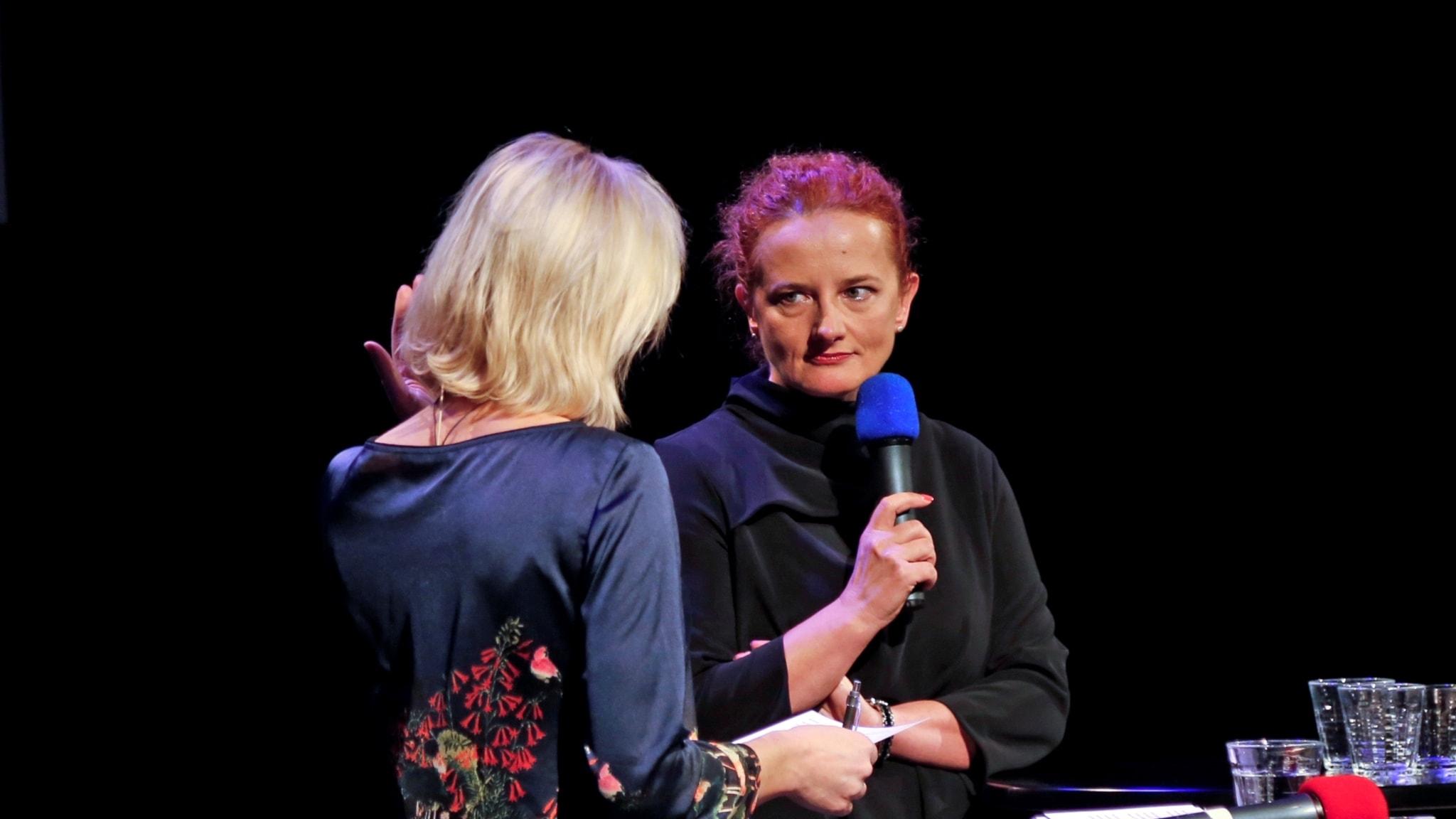 Kamila Ceran, programchef på Radio TOK FM/Warsawa, intervjuas av Ginna Lindberg