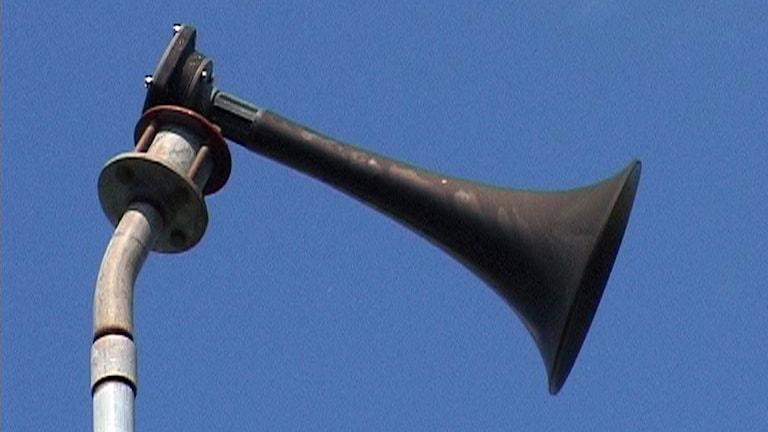 """Signalsystemet kallat """"Hesa Fredrik"""" ska varna medborgarna för olyckor, allvarliga händelser, störningar i viktiga samhällsfunktioner och krishantering i samband med extra ordinära händelser. Signalhornet på bilden finns i Göteborg."""