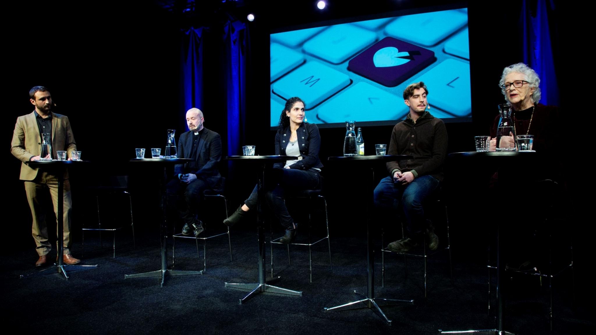 Johar Bendjelloul, Kent Wisti, Mina Dennert, Jack Werner och Magdalena Ribbing i seminariet Ordväxla med omsorg 13 februari