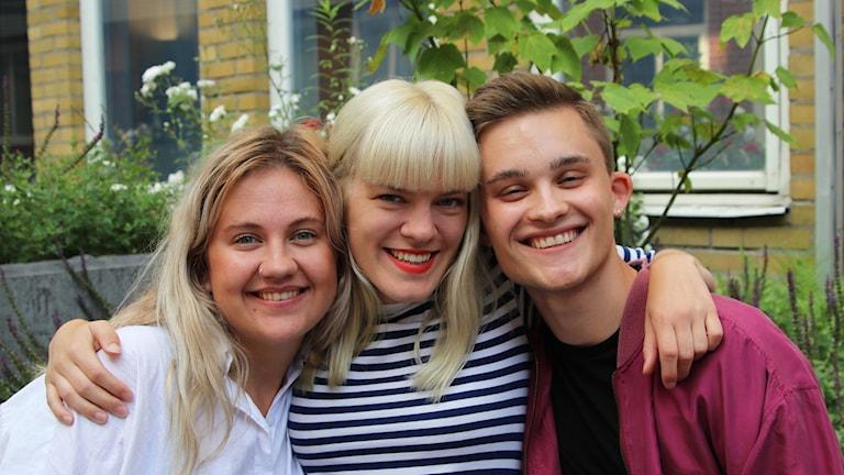Bild på Hannah, Filippa och Emil.