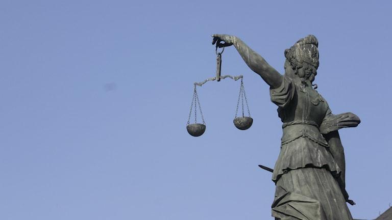 Hon håller koll på rättvisan. foto: Michael Thurm/flickr/CC BY-NC-SA 2.0